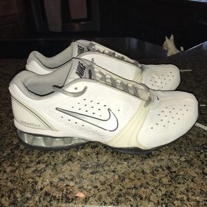 Nike Reax leather shoe.  Size 11.